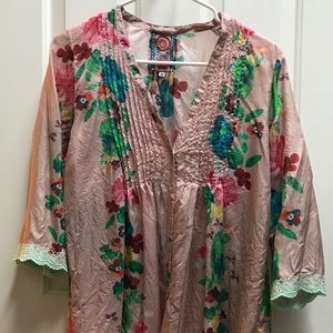 Johnny Was Tops - Sundance Johnny Was Silky Floral Top, M